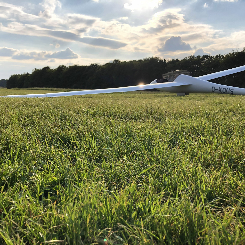 Segelflugzeug Discus 2c-FES steht am Start